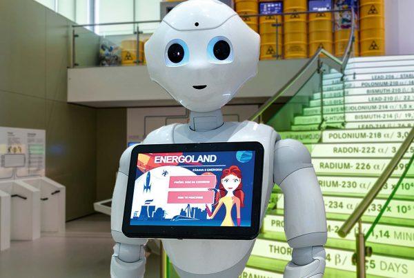 V Energolande vás privíta humanoidný robot Pepper.